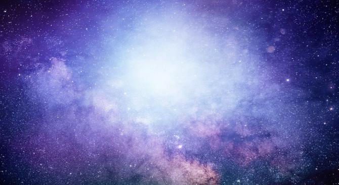 Астрономи наблюдаваха акреционен взрив