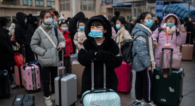 Китайски експерт: Пикът на новия коронавирус ще настъпи след седмица