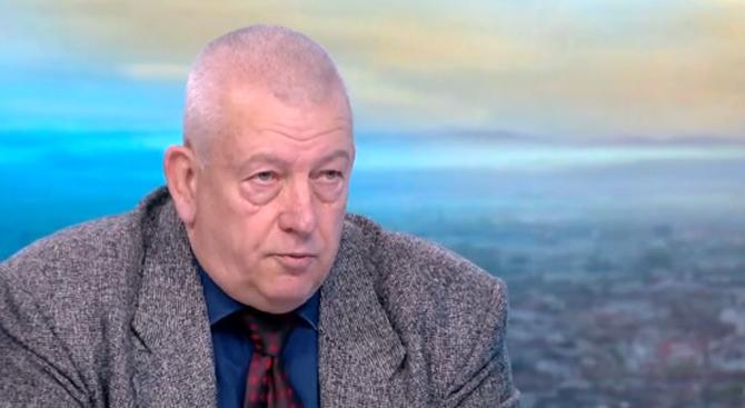 Тихомир Стойчев: Има целева атака срещу президента