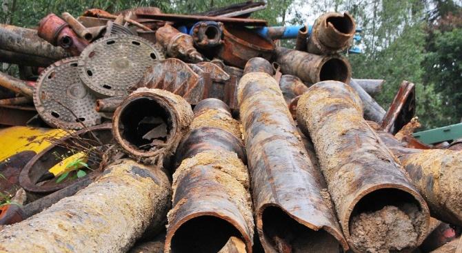Недоволство в Батак заради боклуци в бивш военен завод