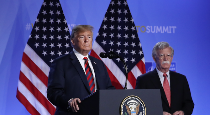 Тръмп яростно нападна бившия си съветник Джон Болтън, който обяви готовност да даде показания пред Сената