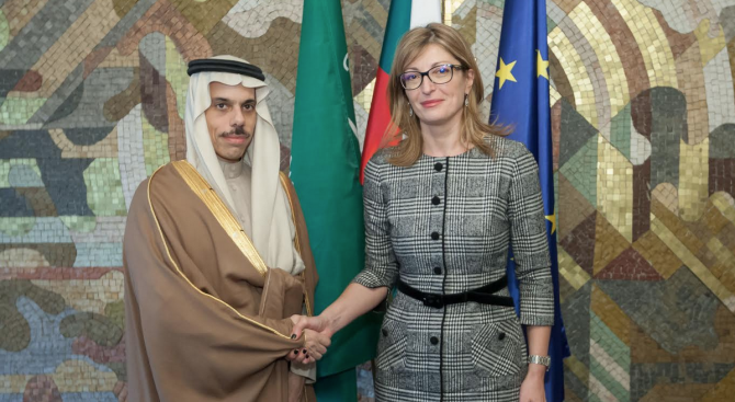 Екатерина Захариева прие външния министър на Кралство Саудитска Арабия