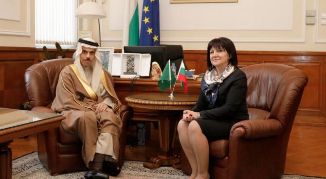 Цвета Караянчева се срещна външния министър на Саудитска Арабия принц Фейсал бин Фархан Ал Сауд