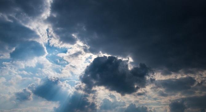 Вижте какво ще е времето днес