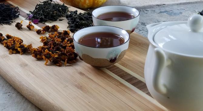 Черният чай и червеното вино намаляват риска от деменция