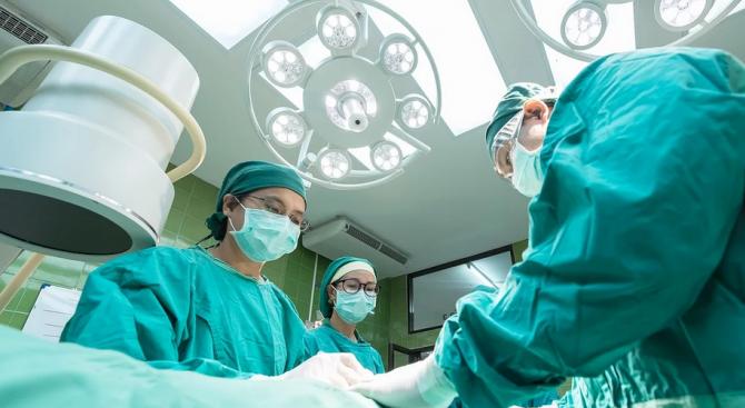 Мъж, пристигнал от Китай, е изолиран в инфекциозното отделение на