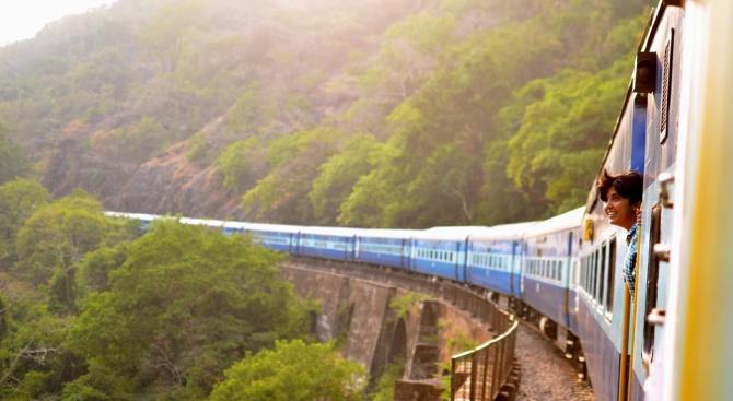 Родопската теснолинейка - в Топ 10 на най-добрите пътувания с влак в Европа