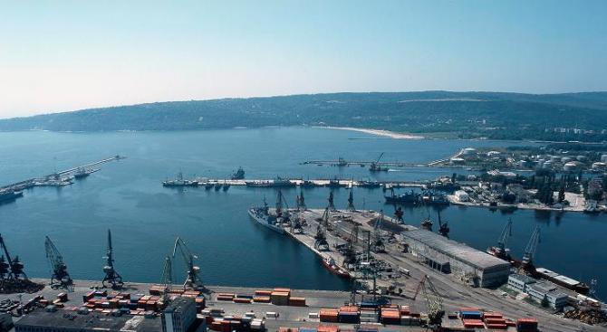 Транспортират обратно 28 контейнера с отпадъци от Италия