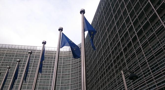 Европейската комисия ще засили мерките за борба срещу рака