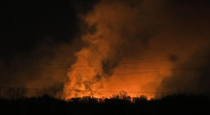 Голям пожар гори в защитената местност Калимок в Силистренско