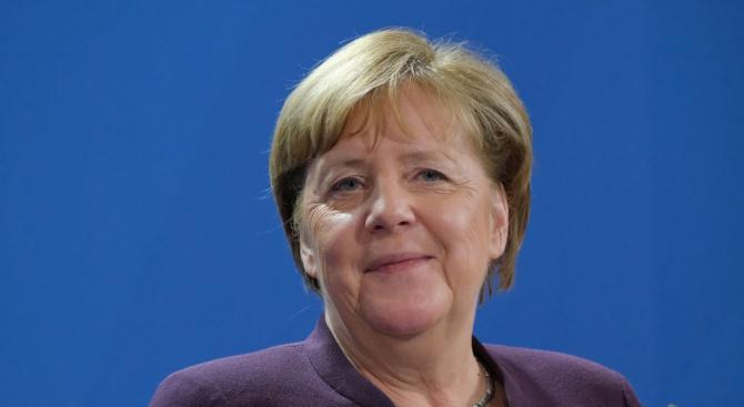 Ангела Меркел започва тридневна африканска обиколка