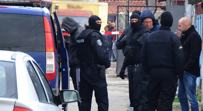 Прокуратурата и полицията с подробности за акцията в Розино