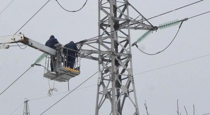 Пуснаха тока във всички села в Сливенско