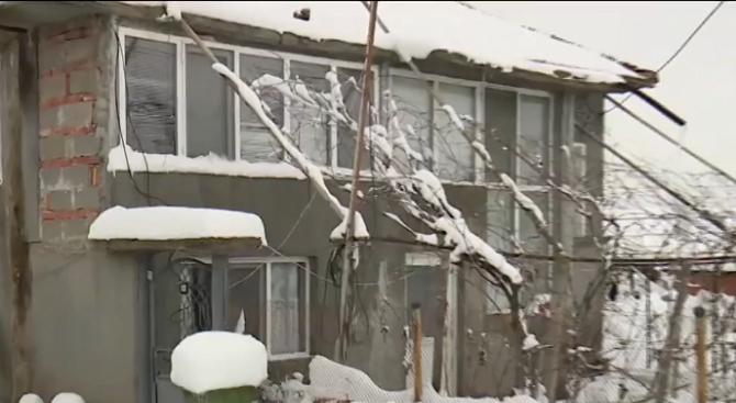 Стабилно е състоянието на обгазеното семейство от Русенско