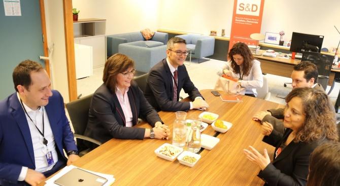 Председателят на парламентарната група на социалистите и демократите испанката Ираче