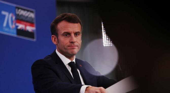 Макрон: Европа не може просто да гледа новата въоръжена надпревара