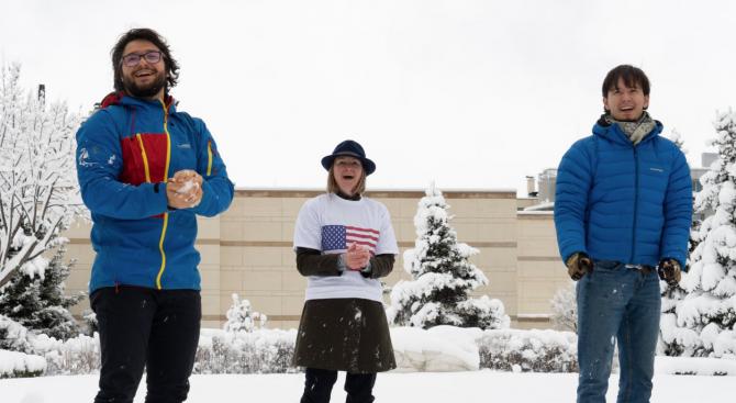 В Посолството на САЩ в София отпразнуваха дългоочаквания снеговалеж с