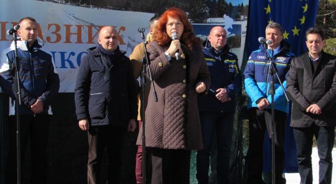 За гарантирано и директно европейско финансиране за малките общини настоя Йотова