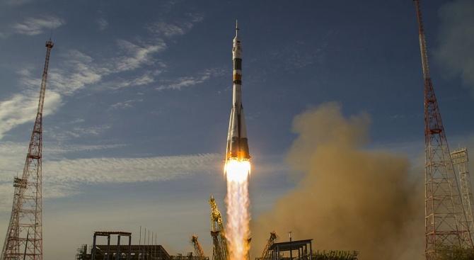 Иран обяви, че днес ще изстреля спътник около Земята