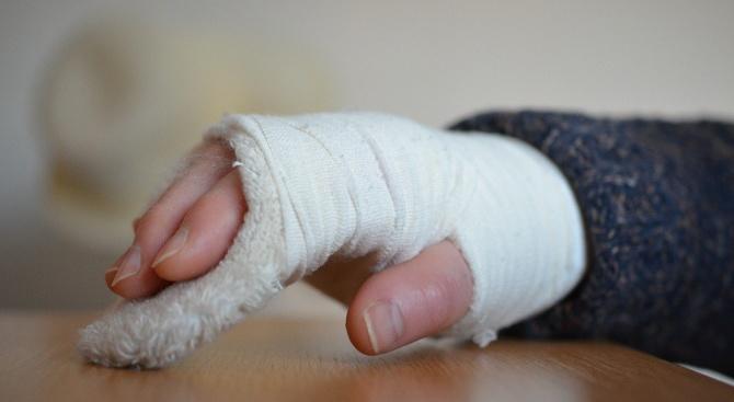 """Лекар от """"Пирогов"""" разкри какви са най-честите травми заради поледиците"""