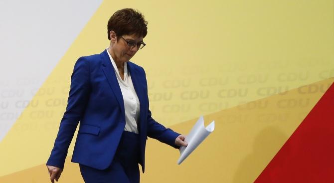 Германският канцлер Ангела Меркел изрази съжаление заради решението на нейното