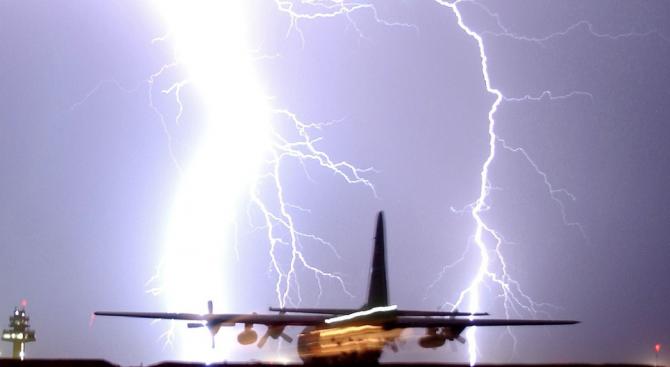 """Един от самолетите, които се приземиха успешно на летище """"Хийтроу"""""""
