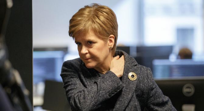 Шотландският първи министър Никола Стърджън предупреди, че Великобритания ще плати