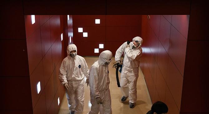 Пикът на коронавируса в Китай ще бъде в средата на февруари