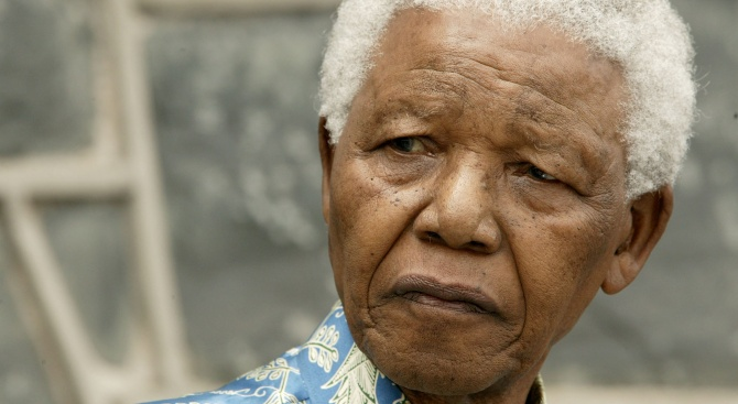Южна Африка отбелязва 30-ата годишнина от освобождаването на Нелсън Мандела от затвора