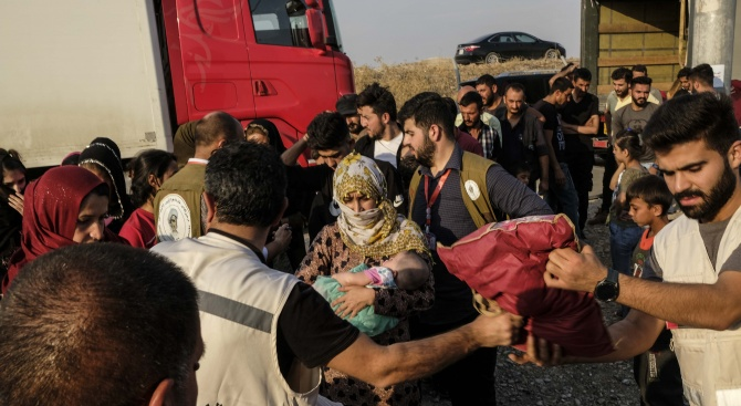 Вълната от разселени в Северозападна Сирия е най-голямата от началото