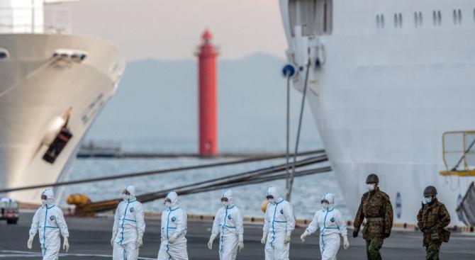 Нови 39 заразени с коронавируса на борда на круизния кораб край Япония