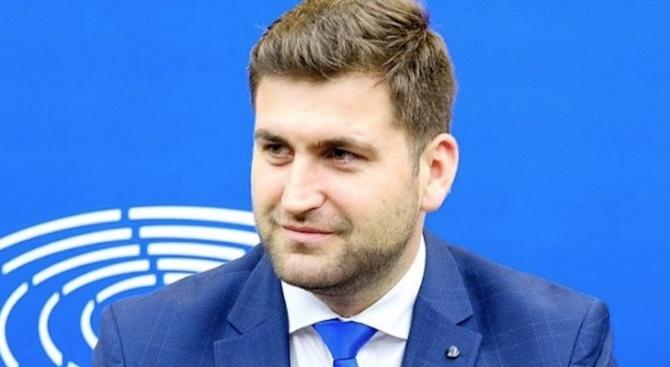 Евродепутатът от ГЕРБ/ЕНП Андрей НоваковАндрей Новаков е български политик от