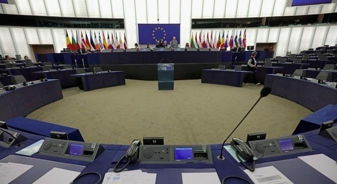 Тази вечер евродепутатите ще обсъдят с Европейската комисия координирания отговор
