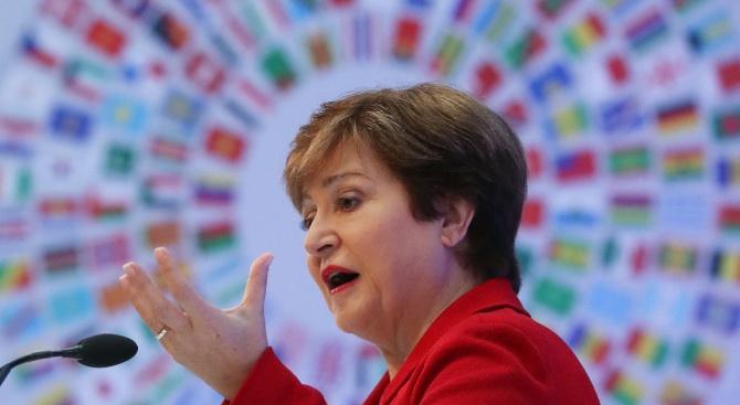 МВФ с прогноза за въздействието на коронавируса върху икономиката