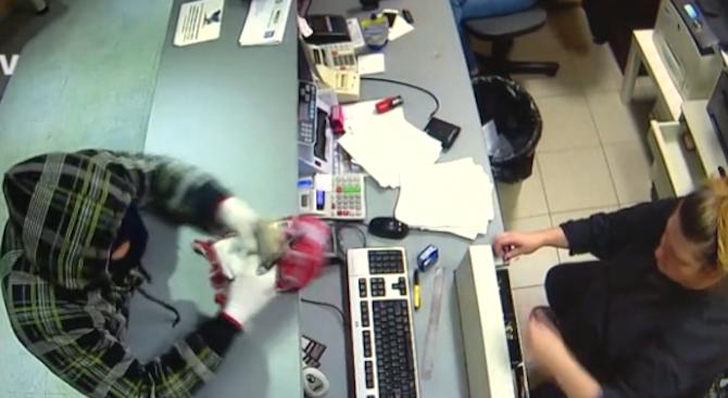 Собственикът на ограбения обект във Враца с подробности за нападението