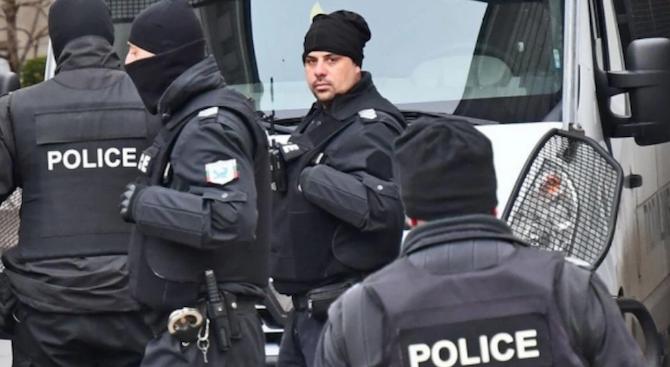 Осем души, обявени за общодържавно издирване, са открити при полицейска акция в Нова Загора