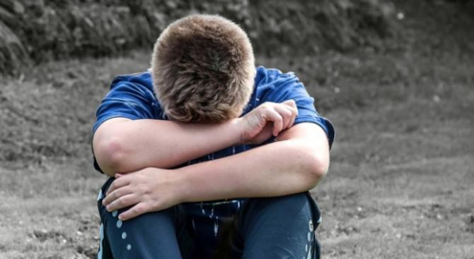 Шест часа на чина водят до депресия на учениците