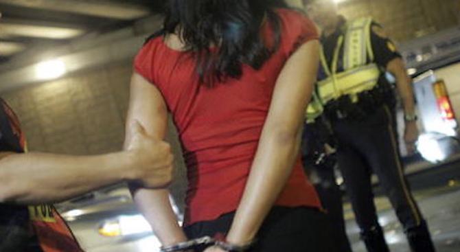 Арест за учителка, шофирала пияна на път за работа
