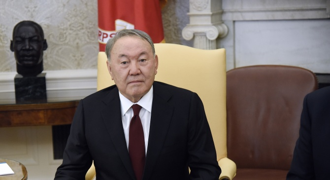 Внук на Нурсултан Назарбаев е поискал убежище на Острова
