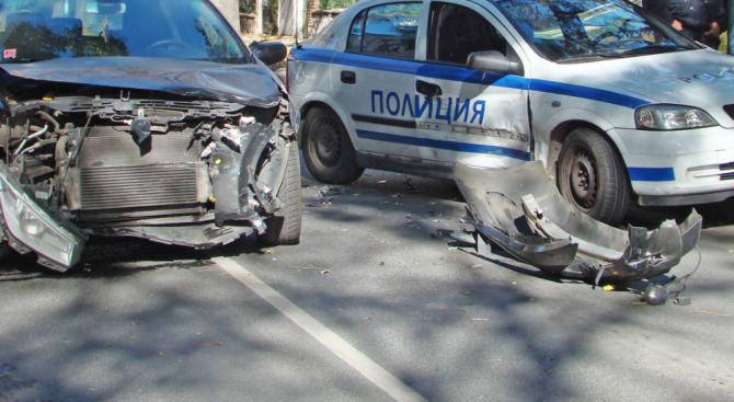 Катастрофа между кола и патрулка край Самоков