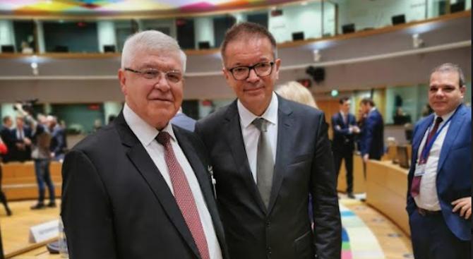 Министър Ананиев разкри какви мерки е предприела България срещу новия коронавирус