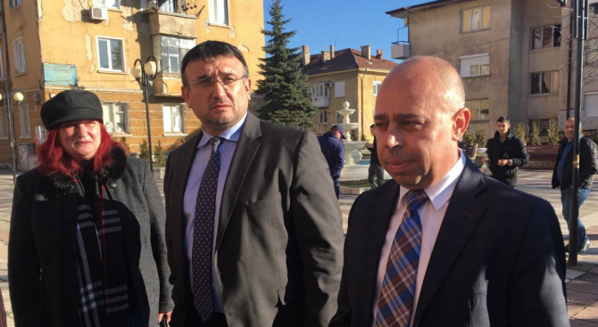 Маринов: МВР и прокуратурата работят упорито по въоръжените обири