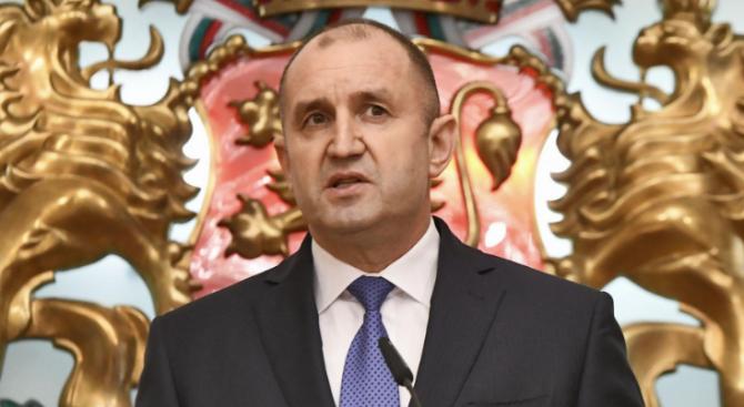 Радев назначи Александър Маринов за председател на Стратегическия съвет към президента