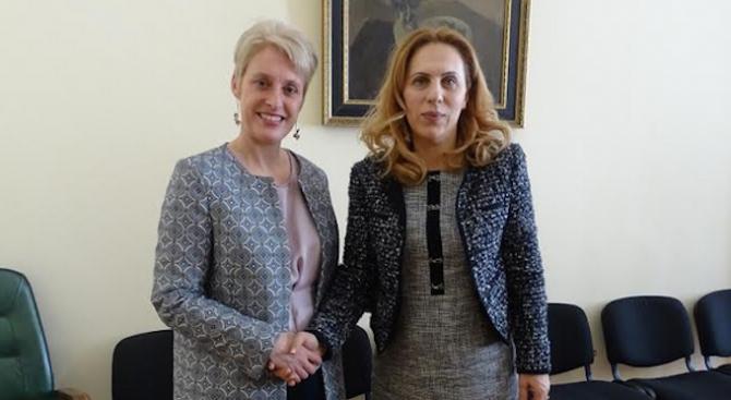 Марияна Николова се срещна с Ема Хопкинс