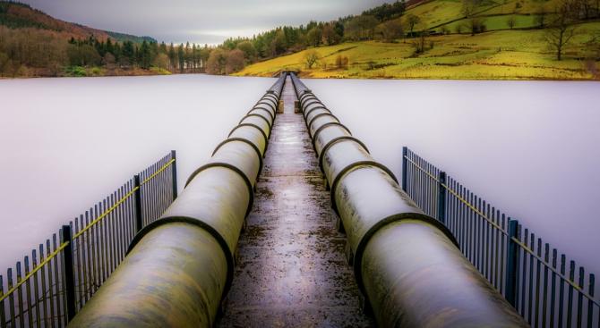 """Спират подаването на промишлена вода към """"Стомана Индъстри"""" и """"Топлофикация - Перник"""""""