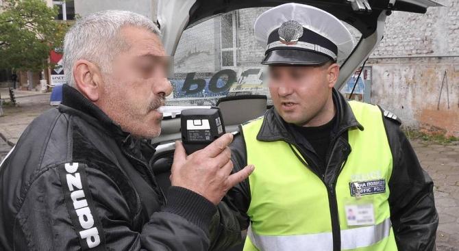 Хванаха пиян шофьор на автобус в Шуменско