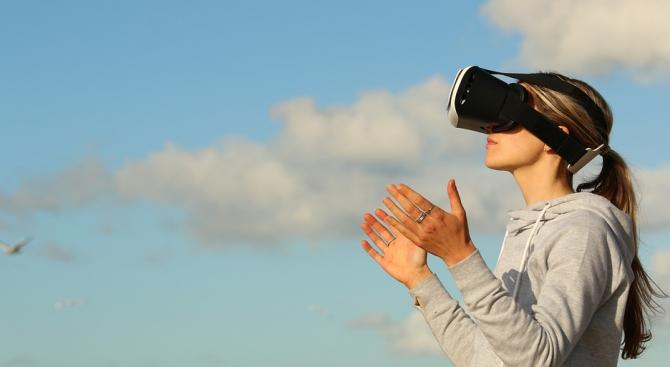 Виртуална реалност срещна майка с мъртвата й дъщеричка