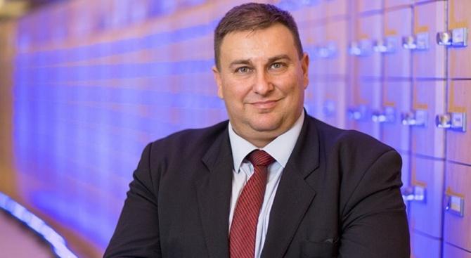 Емил Радев: Цената за един фалшив документ за влизане в ЕС достига 6 000 евро