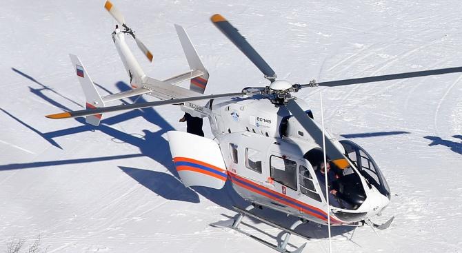 Хеликоптер с 10 души кацна аварийно в Русия