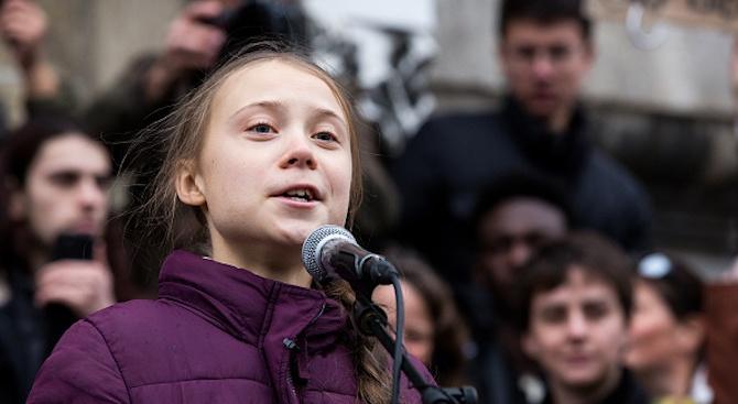 "Грета Тунберг разкритикува ""празните думи"" на политиците по време на протест за климата в Стокхолм"